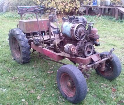 Parduodu traktoriu t 25